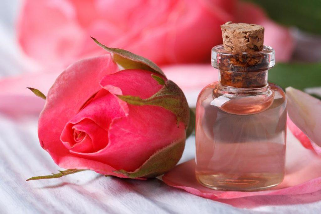 home remedies to treat dark circles-rose water
