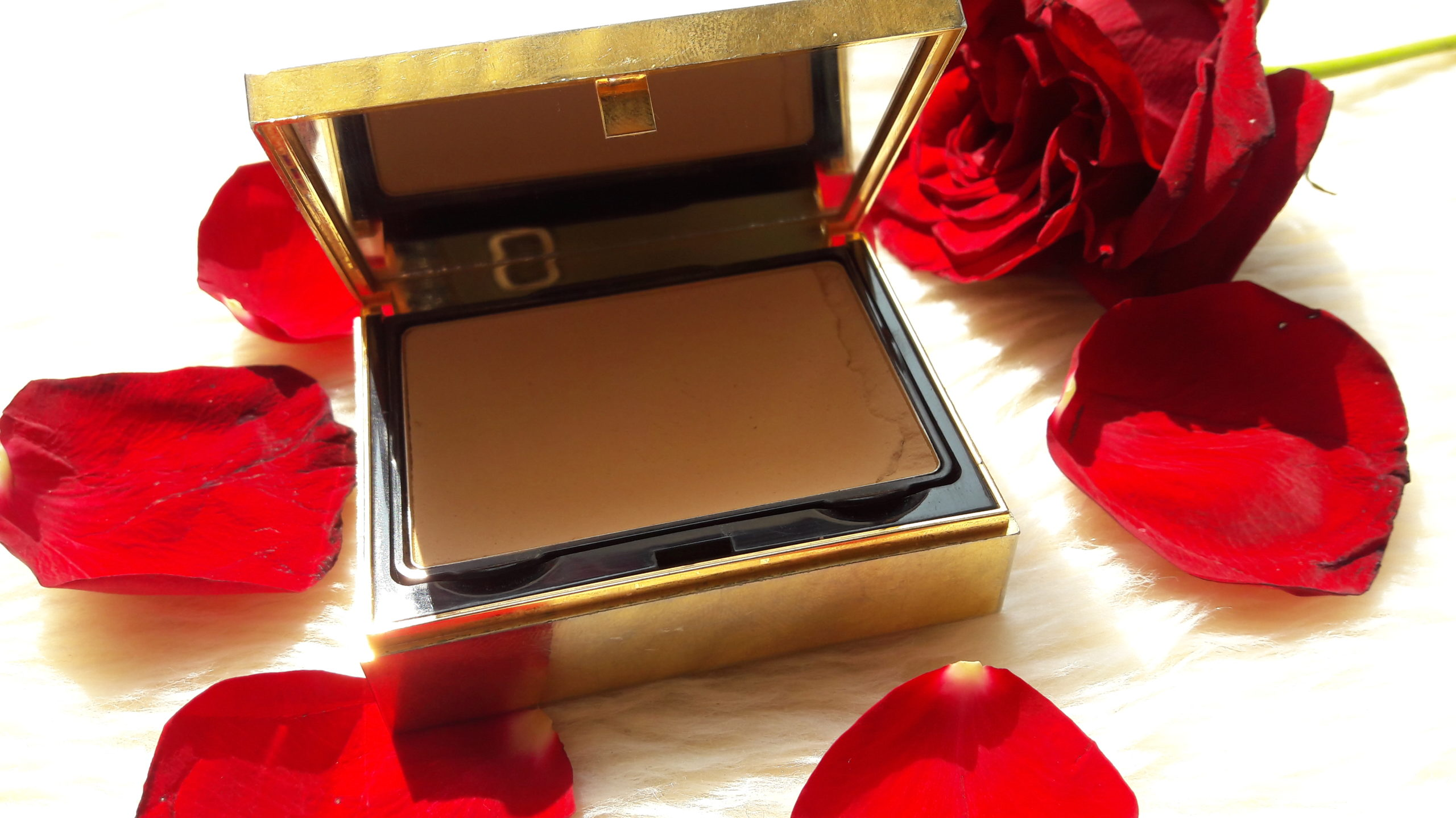 YSL Matt Touch Compact Foundation