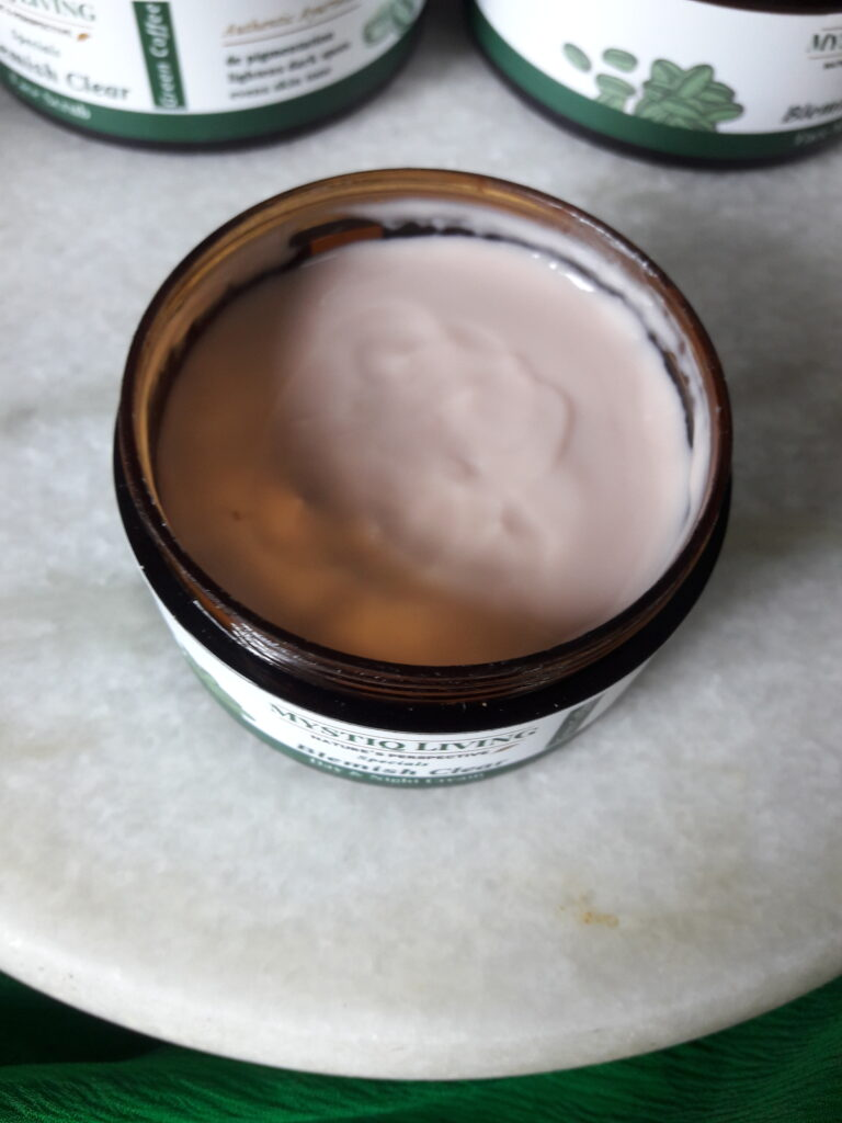 Mystiq Living Blemish Clear day & night cream